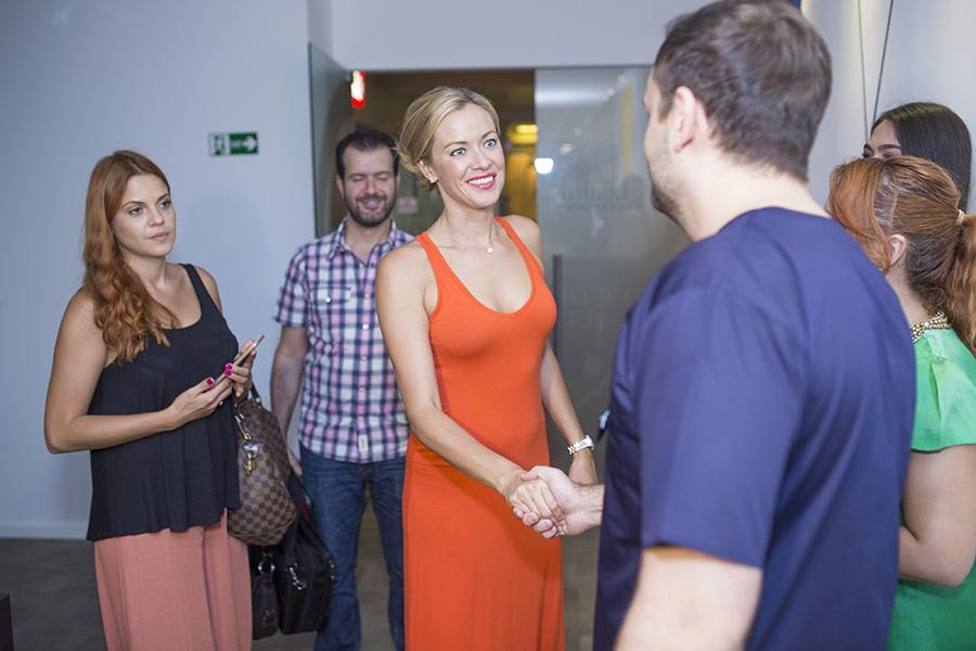Kristanna Loken în vizită la Dr. Leahu