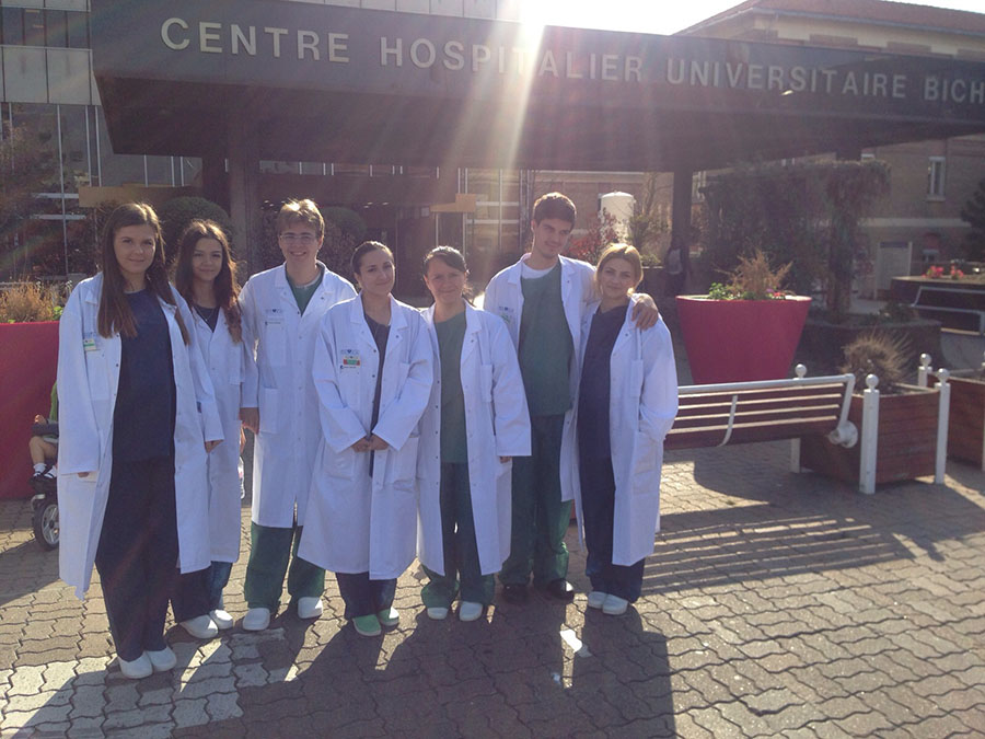 Sute de studenți și elevi dau o șansă medicinei cu bani europeni