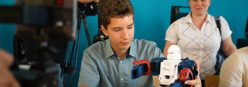 Lansarea SmartLab 4.0 - Primul laborator inteligent dintr-un liceu românesc